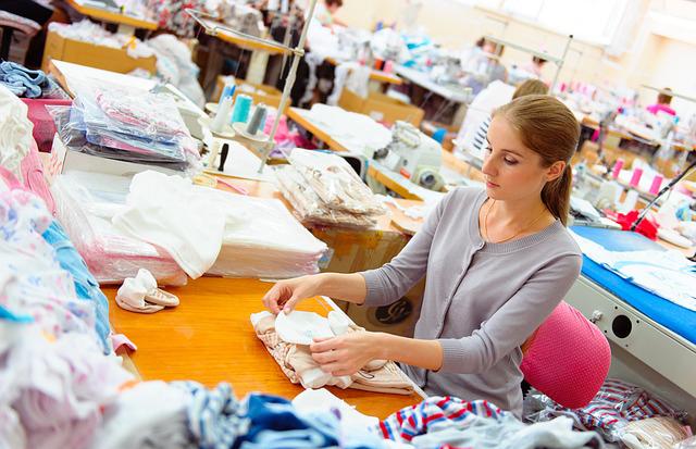 Textiltermék-összeállító